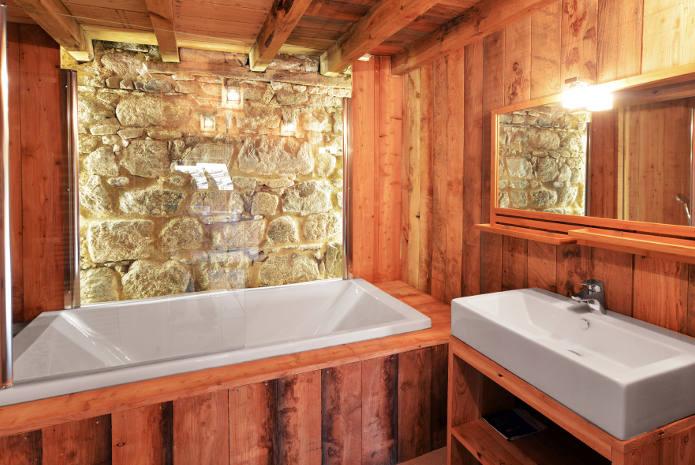 La Salle de Bain et sa baignoire 2 personnes